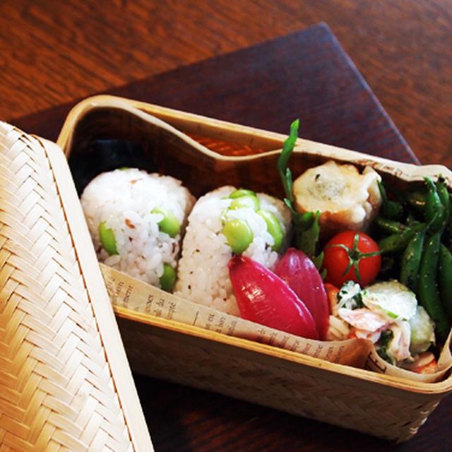 あるもので・・梅と枝豆のおにぎりお弁当&常備菜♪