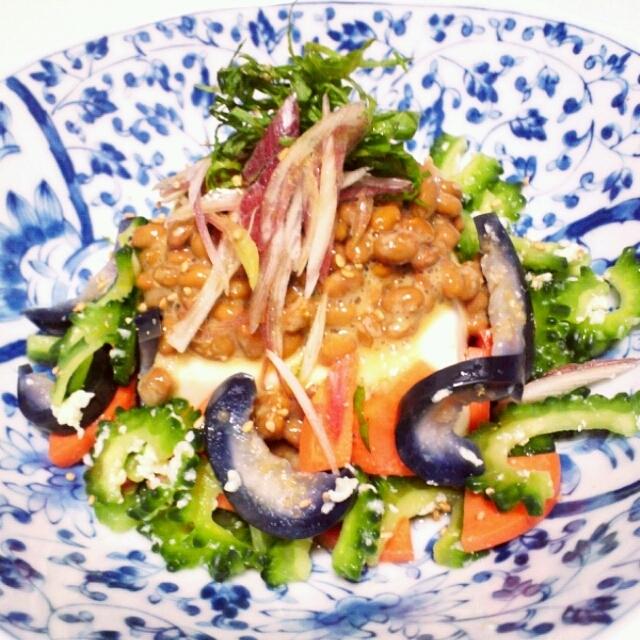 5分でおつまみ 豆腐と納豆 色々野菜のお漬物 朝ごはんにも。