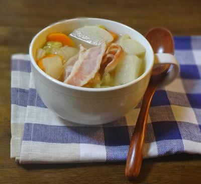 """白菜とベーコン 根野菜の""""おかずスープ"""""""