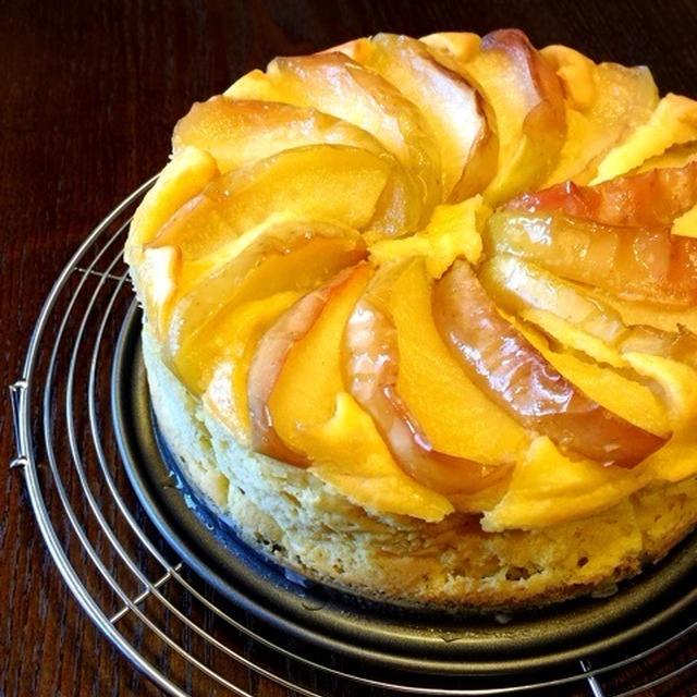 完成間近⁉︎と ミキサーで簡単♪おもてなしにも♡キャラメリゼリンゴのスイートポテトケーキ♡