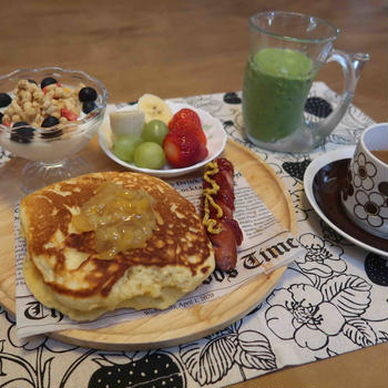 柚子ジャムパンケーキの朝食と ホルモン焼きうどん&浜松餃子