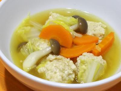 鶏団子スープで温まる(*^^)v