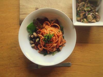 チンギアーレのスパゲティーニポモドーロ