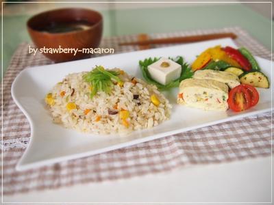 高野豆腐リメイクランチ☆ふわふわだし巻き卵・和風炊飯器ピラフ・野菜のガーリック・チーズ炒め・・