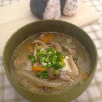 【レシピ】母乳量アップ!豆乳入りまろやか豚汁