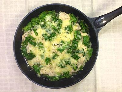フライパンで簡単!白菜と菜の花のチーズ蒸し