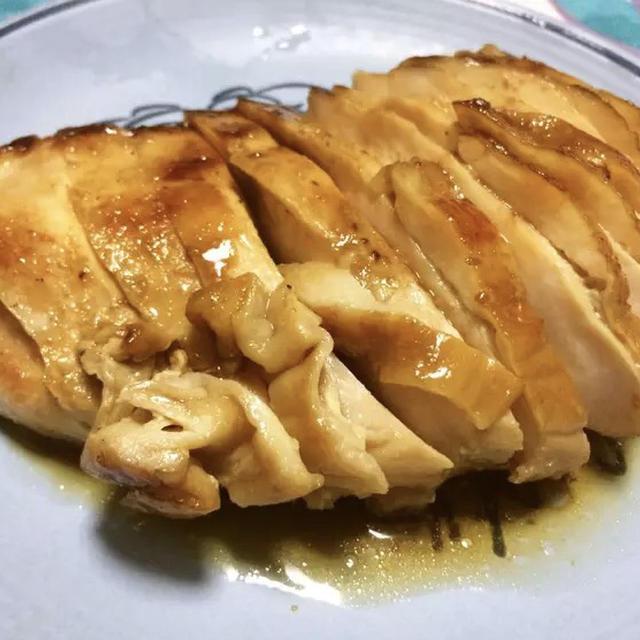 柔らか〜い!弱火で簡単…鶏ムネ肉叉焼