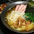 蛤と干し貝柱のスープを使用したラーメン