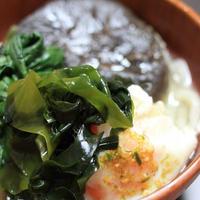 さぬきうどんの亀城庵「豪華福福讃岐うどんセット」の並切麺と太切麺で鍋焼きうどん♪