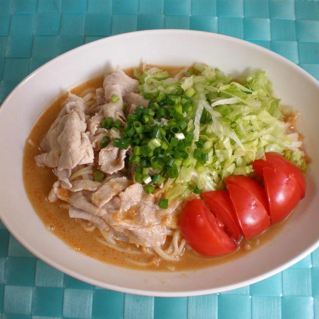 ピーナッツ味の豚しゃぶサラダ麺