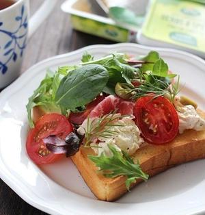 チーズポテトサラダと生ハムのトースト