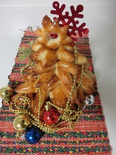 12月は、クリスマスツリーパン作りですよ!!