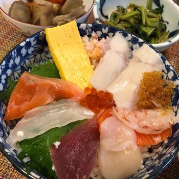 10連休終了 海鮮丼~ヾ(*´∀`*)ノ   タラの芽の天ぷら ♪
