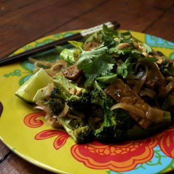 豆腐でピリ辛ビーガンパッタイ