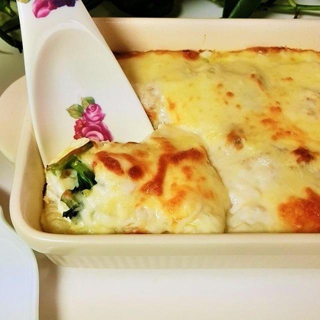 レシピ*牛乳とチーズたっぷり♪ エビと菜の花のマカロニグラタン
