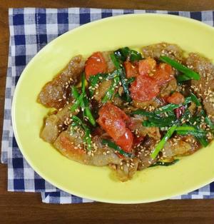 8分で簡単調理!トマトとニラのこってり豚肉スタミナ炒め