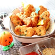 子供が大好き★鶏ひき肉で簡単チキンナゲット♪ハロウィン型抜きナゲット