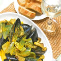 秋のおうちバルの簡単おつまみ!ムール貝ときのこのワイン蒸しサフラン風味。