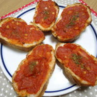 時短トマトソースのバゲットトースト