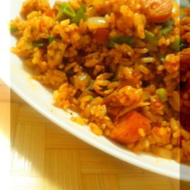 チリパウダーで簡単◎ジャンバラヤ風炒飯(レシピあり)