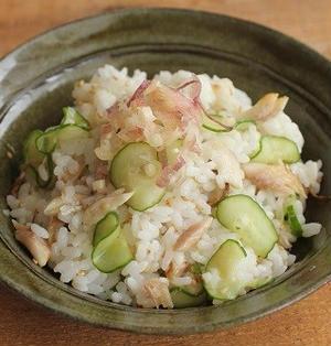夏バテにさっぱりご飯♪アジの干物ときゅうりの混ぜ寿司