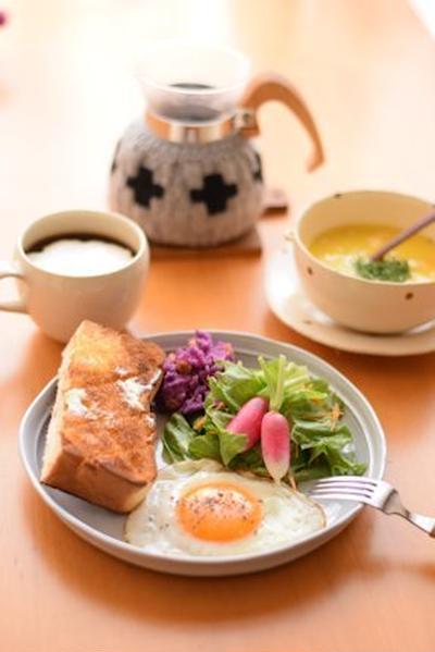 朝ごはんとコーヒーコージー