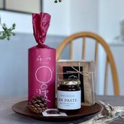 「蒜山耕藝」の最中の皮と「トラヤあんスタンド」のアンペーストと「TAKAO COFFEE」のドリップバッグ