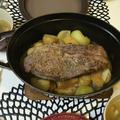 ストウブでりんごと豚かたまり肉のポットロースト。作り置きおかずもストウブで。