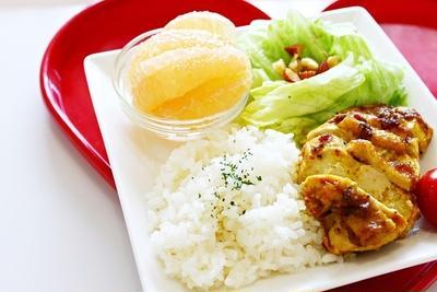 おうちカフェにしよう♪鶏肉料理のワンプレートレシピ7選