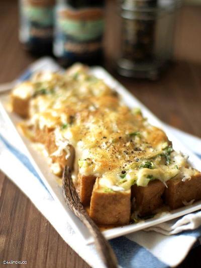 厚揚げの葱しらすチーズ焼き。