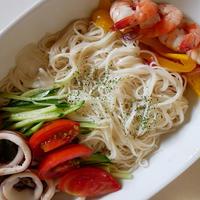 アジアンちっくなタレで食べる冷たい素麺