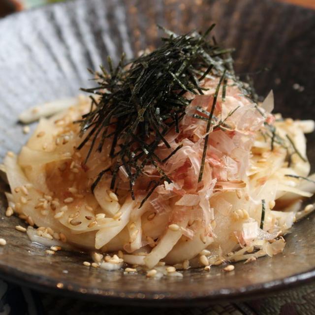 【簡単レシピ】新玉ねぎとかつお節のサラダ