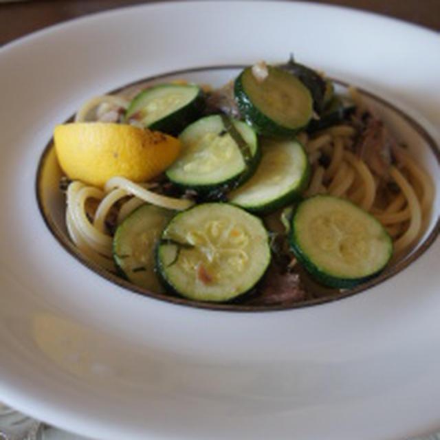 秋刀魚とズッキーニ・大葉のペペロンチーノ レシピ