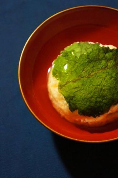 梅いり大和芋饅頭の銀餡、柏ねいもの酢味噌、トマトの生姜餡で白ワイン