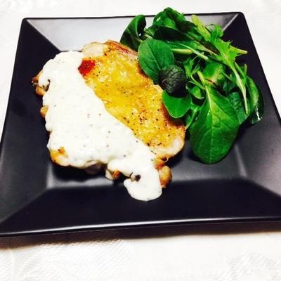 鶏肉のガーリックマヨマスタードクリームソース