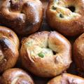 ベーグル(全粒粉10%)−−−プレーンと枝豆チーズ