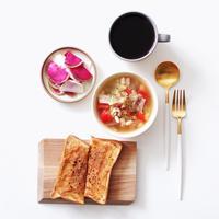【スープレシピ】パンと豆と野菜のスープ。