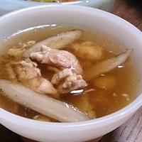 かしわとゴボウのスープ♪ #ハウス食品 #GABAN #スパイス #ローリエ