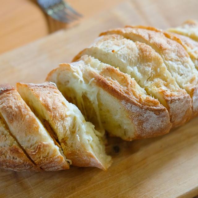 【レシピ】悪魔の『ガーリックバターチーズブレッド』