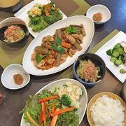 スパイス利かせて・柔らか鶏胸肉と根菜で炒め煮・・ほっこりしたお味です!!