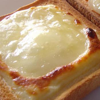 ネットで話題なの?チーズシュガートースト???