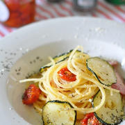 お玉を使って簡単お山盛り!自家製セミドライトマトのオイル漬けのパスタ
