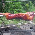 冷蔵庫に残っていた仔豚を焼く。