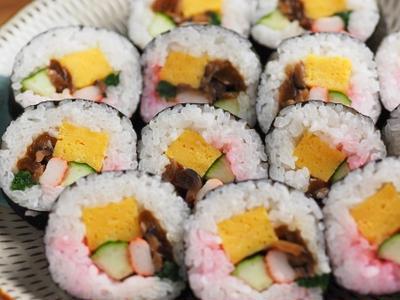 市販の材料で巻き寿司を作る、イベント用に便利です。
