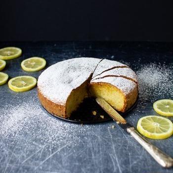 ホワイトチョコレートとレモンの「白い」トルタカプレーゼ