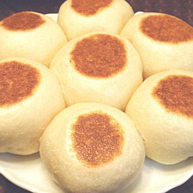 休日の朝食に・・・フライパンで焼くモッチリ手作りパン(レシピ付)
