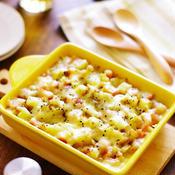 焦がしガリバタ醤油風味のじゃがいもとソーセージのレンチン!チーズ蒸し