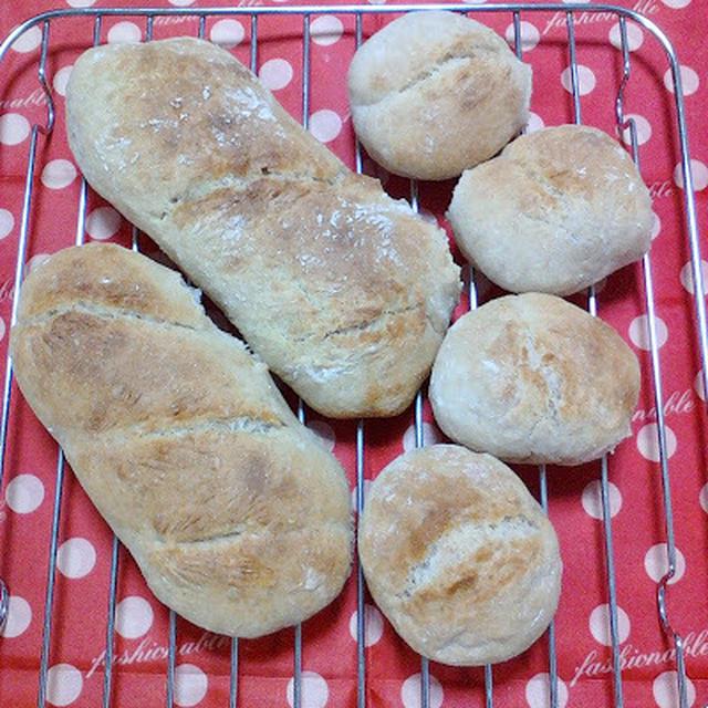 【塩1gのパン】ホシノ&リスドォルでプチパン。 で朝ごはん。