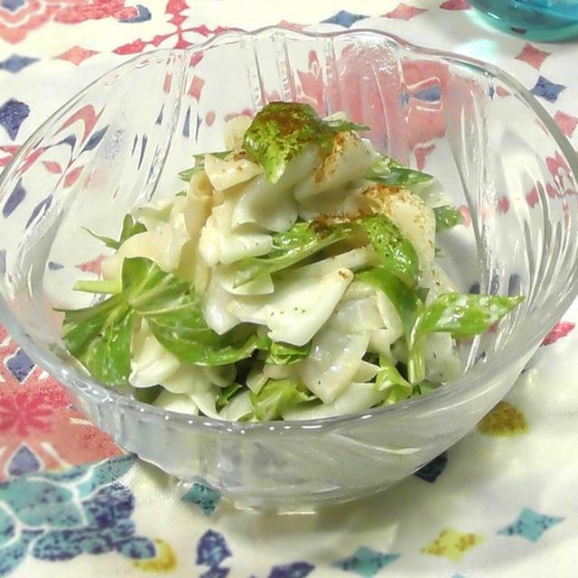 しっかり塩で揉むのがポイント!大根とセロリのあっさりサラダ