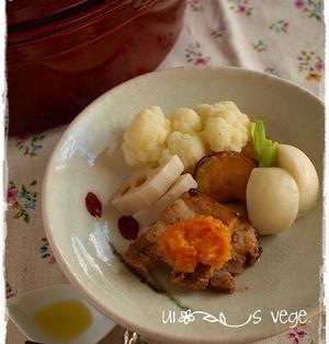 蒸し野菜と豚肉の柿ソース